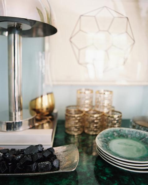 Silver+malachite+console+topped+dishes+accessories+bTqFrOhGu-Vl