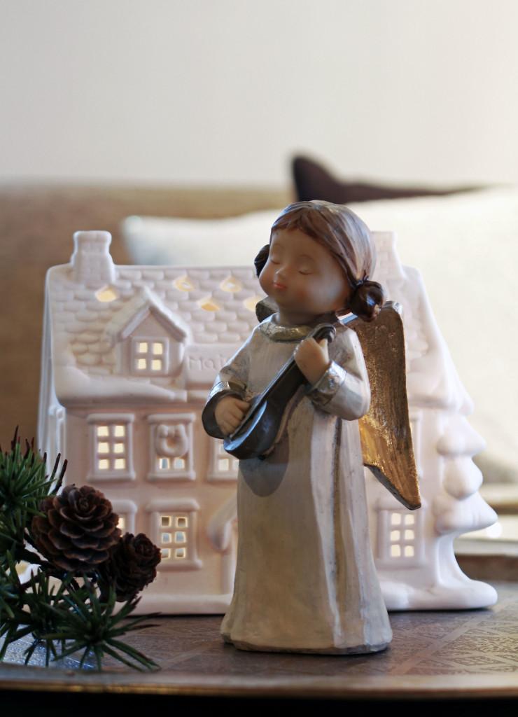 Engel-jul-i-vår-stue-1